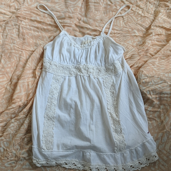 [Free w/ purchase] Hollister white lace trim top